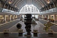 kunsthalle-kosice-mit-ausstellung-tony-cragg-788bcb67-332c-4b2e-afd1-b6cddc81393a